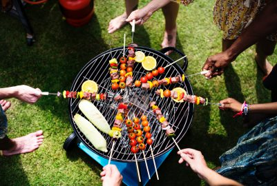 Organiseer jij een tuinfeest? Deze dingen kun je huren!